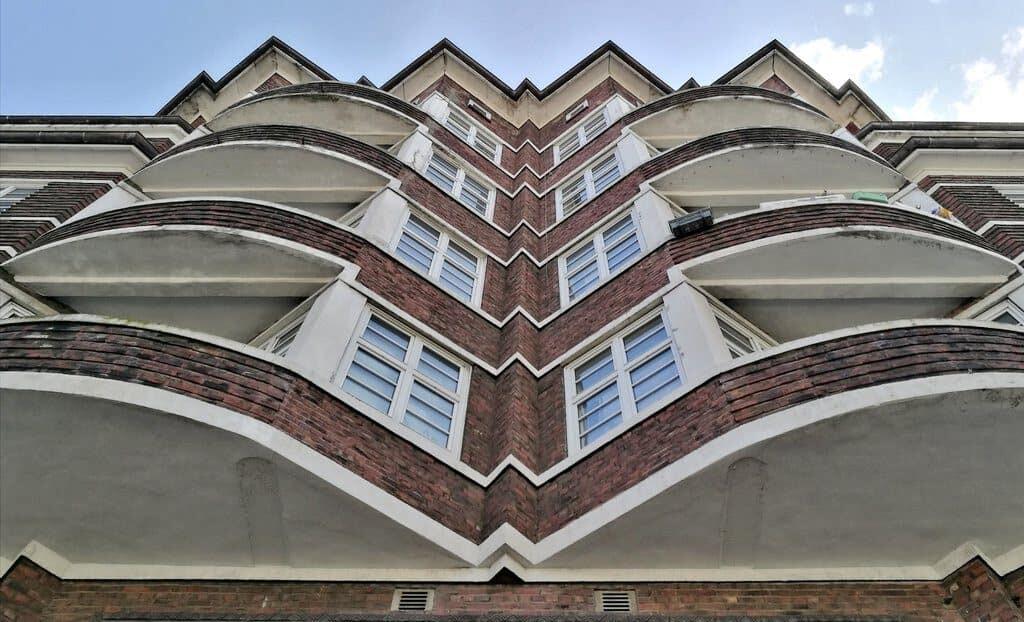 architektur-fotografie-hamburg-fassade-hudtwalckerstrasse-by-tom-koehler