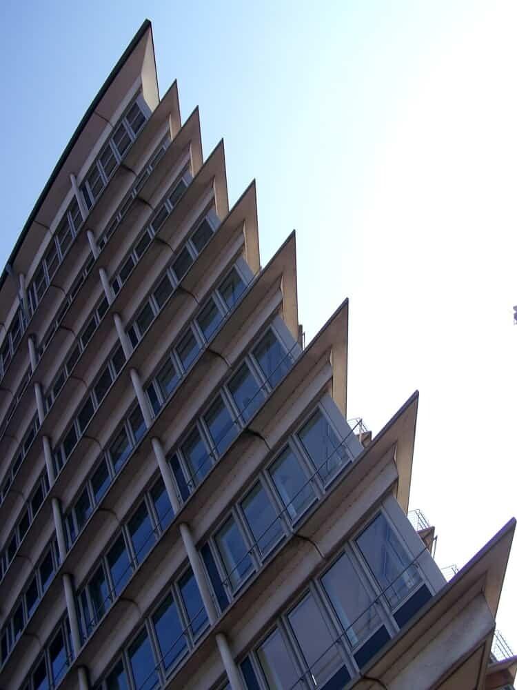 kehr-wieder-spitze-am-sandtorkai-hafen-hamburg-architectural-photography-by-abendfarben-tom-koehler
