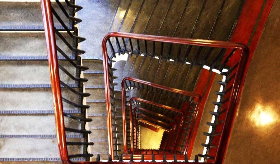 treppenhaus chilehaus hamburg architektur fotografie by abendfarben tom koehler