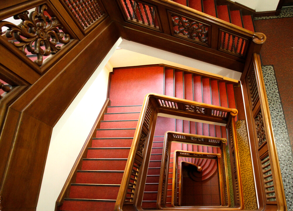 hamburg treppenhaus kontorhaus stubbenhuk by architekturfotografie abendfarben tom koehler (4)