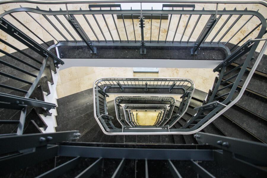 kontorhaus-burchardhof-treppenhaus-architekturfotografie-hamburg-by-abendfarben