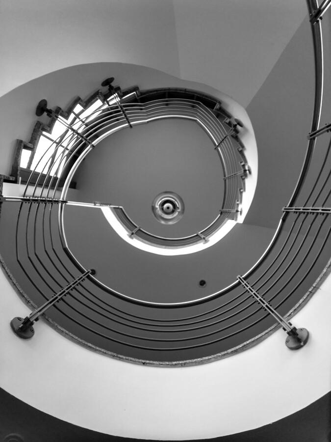 architekturfotografie-hamburg-treppenhaus-by-abendfarben-tom-koehler