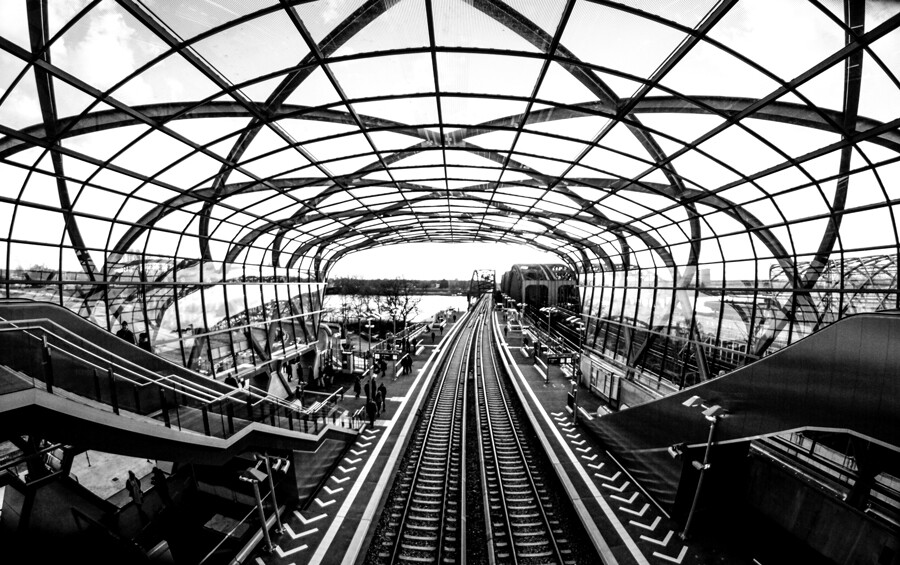 station-elbbruecken-sbahn-hamburg-architektur-fotografie-tom-koehler