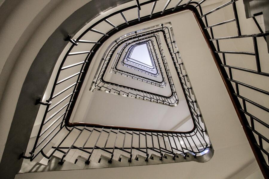 architekturfotografie-hamburg-reichenhof-treppenhaus-by-abendfarben