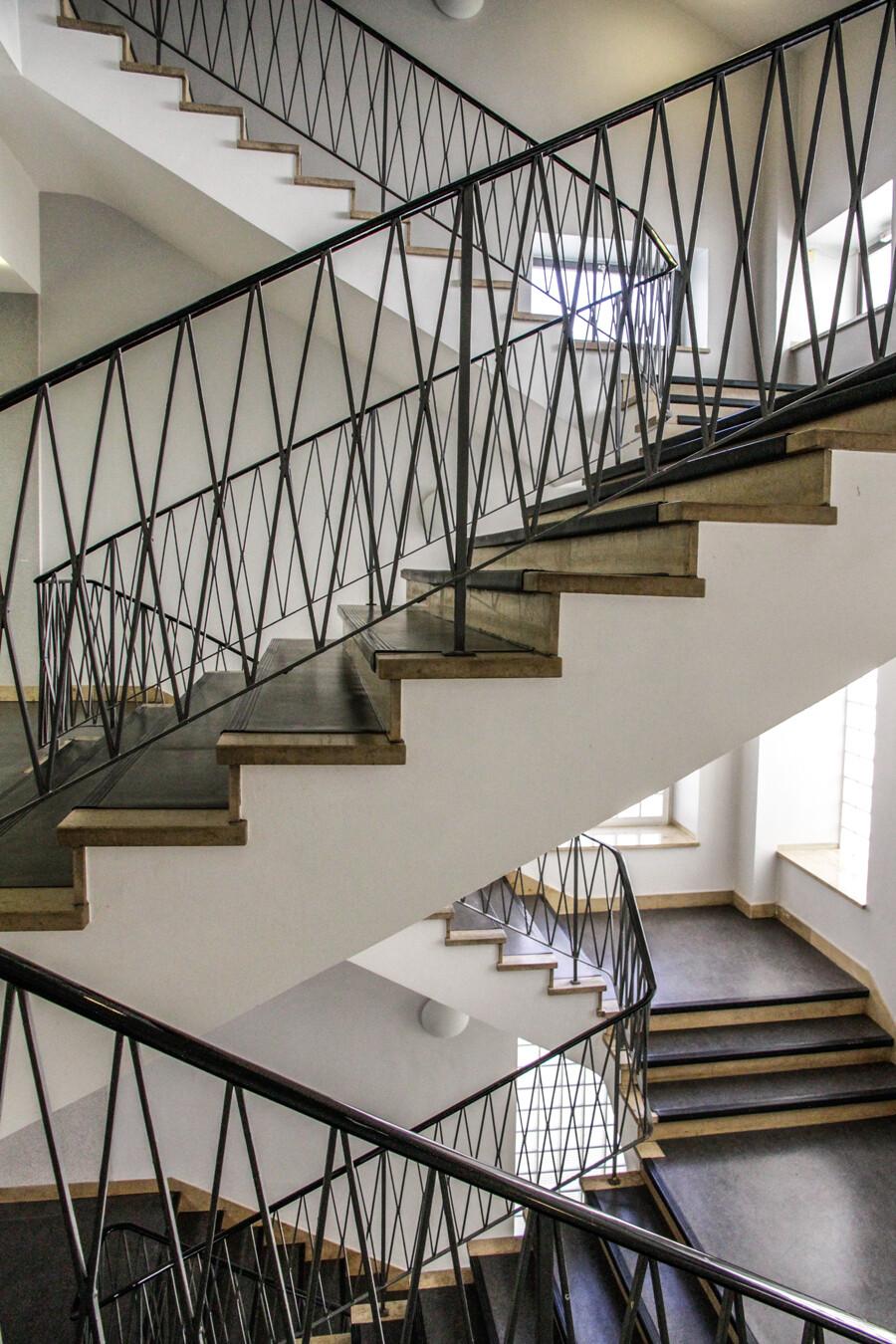 semperhaus-treppenhaus-architekturfotografie-hamburg-tom-koehler
