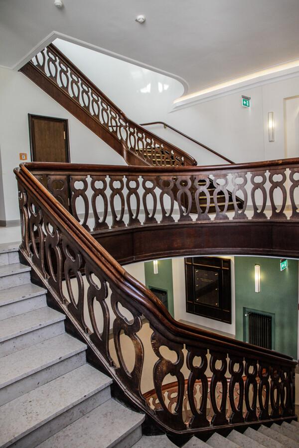streitshaus-treppenhaus-architekturfotografie-hamburg-abendfarben