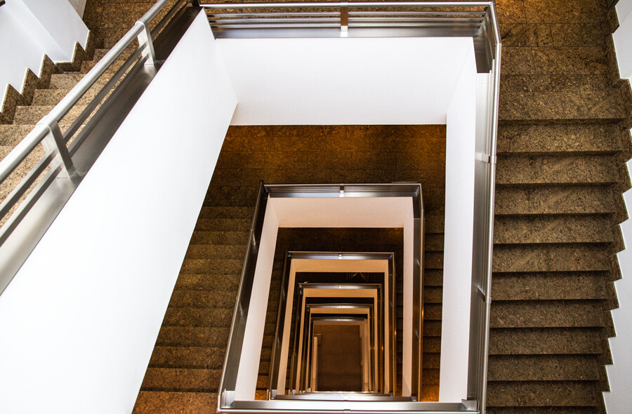 treppenhaus-rappolthaus-architekturfotografie-abendfarben