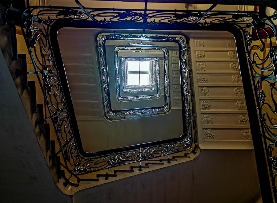 alsterhaus-treppenhaus-ballindamm-architekturfotografie-hamburg