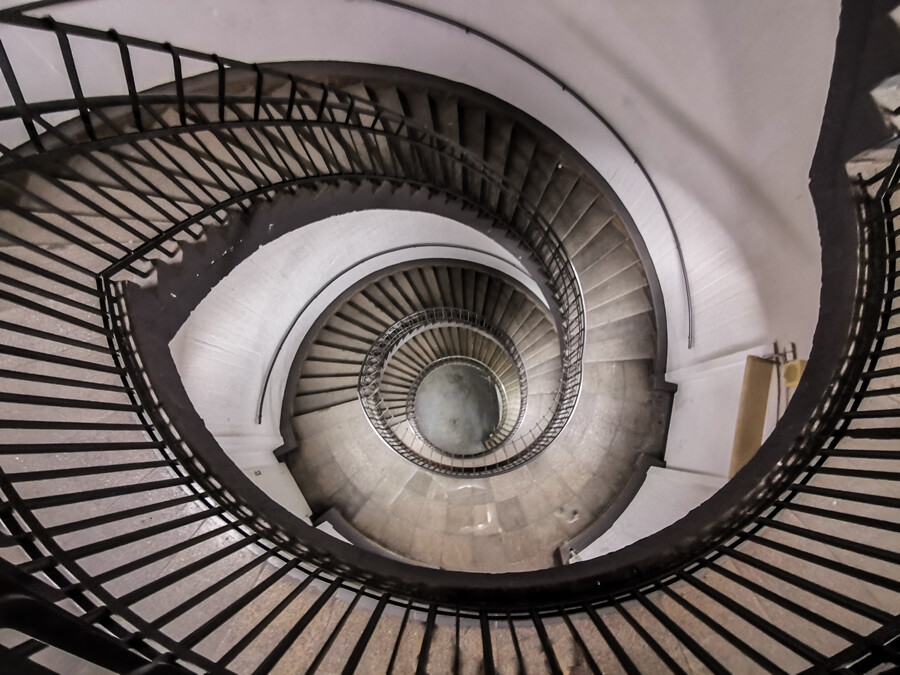 bunker-treppenhaus-st-pauli-architekturfotografie-hamburg