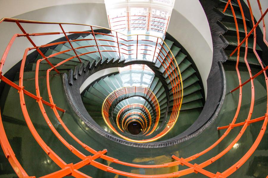 sprinkenhof-treppenhaus-by-abendfarben