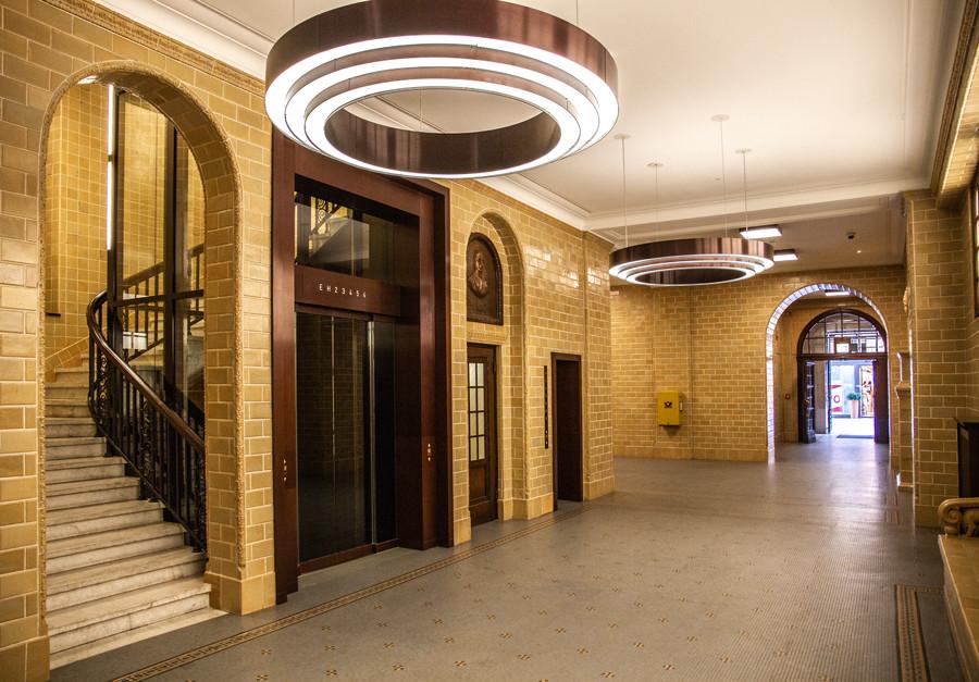 kontorhaus-gutrufhaus-hamburg-lobby-by-abendfarben