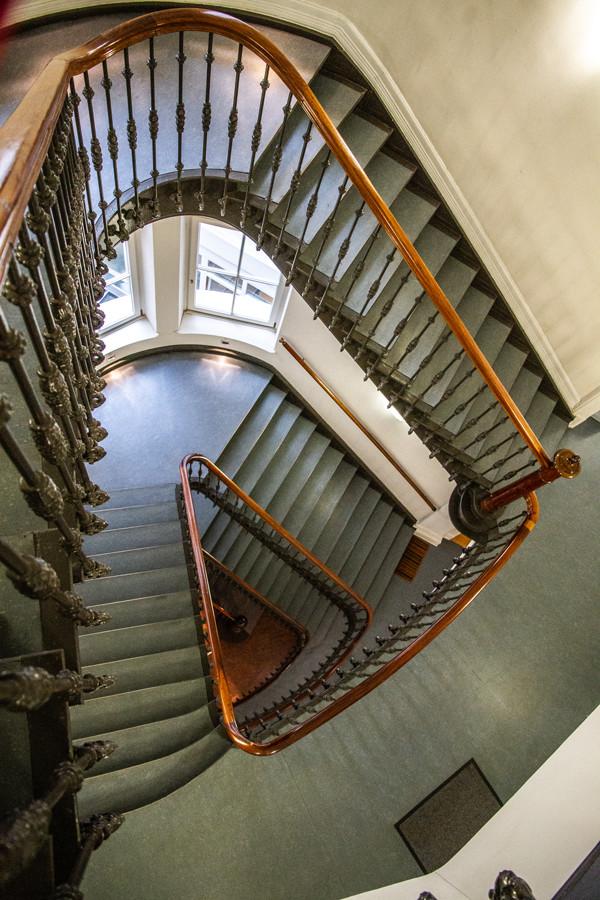 kontorhaus-hamburg-mittelweg-treppe-by-abendfarben