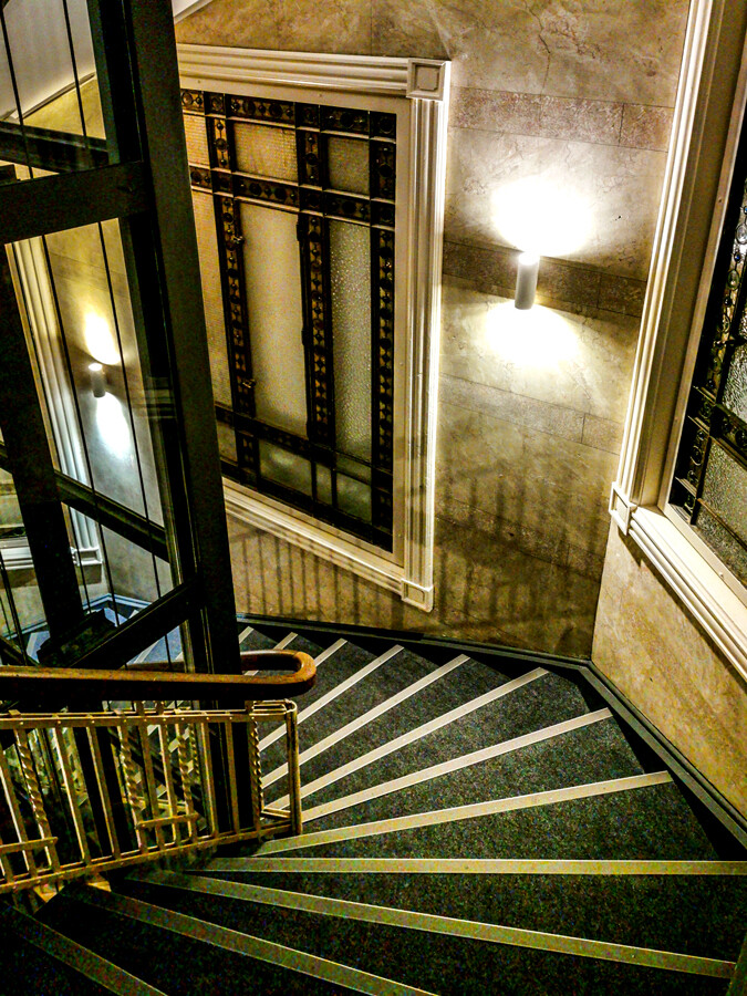 hotel-alsterblick-hamburg-stairs-by-abendfarben